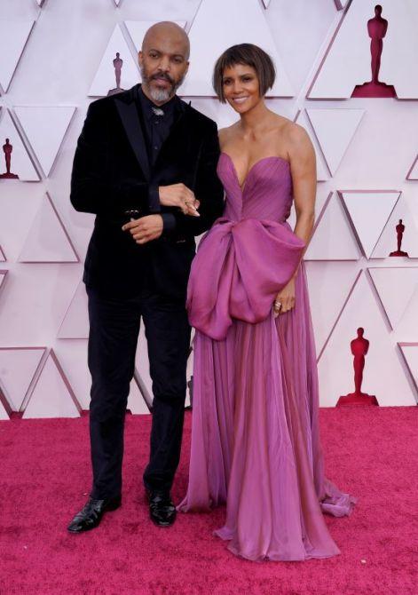 halle berry fidanzato van hunt Halle Berry e il suo fidanzato hanno appena fatto il loro debutto sul tappeto rosso agli Oscar: ecco cosa sapere su di lui
