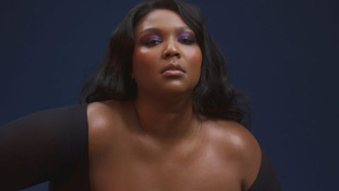 Lizzo Posts An Unedited Nude Picture To Help Change The Convo Around Beauty Standards | StyleCaster