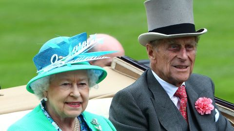 Will Queen Elizabeth Step Down After Prince Philip's Death? Here's Where She Stands | StyleCaster