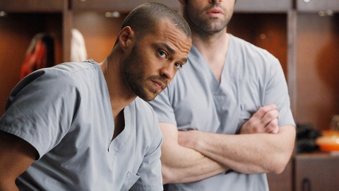 Here's the Real Reason Jesse Williams Is Leaving 'Grey's Anatomy' After 12 Seasons | StyleCaster