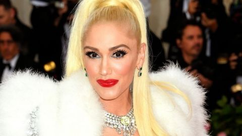 Gwen Stefani Just Revealed a Bold Black-And-White Hair Transformation   StyleCaster