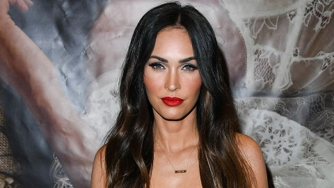 Who Gave Megan Fox The Right To Look So Hot At The BBMAs? | StyleCaster