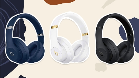 These Noise-Canceling Headphones Have Kept Me Sane (And Focused) While WFH | StyleCaster