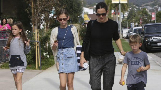 Jennifer Garner takes the kids to Sunday Morning Church in Pacific Palisades, Ca a few days after finalizing her divorce from Ben Affleck