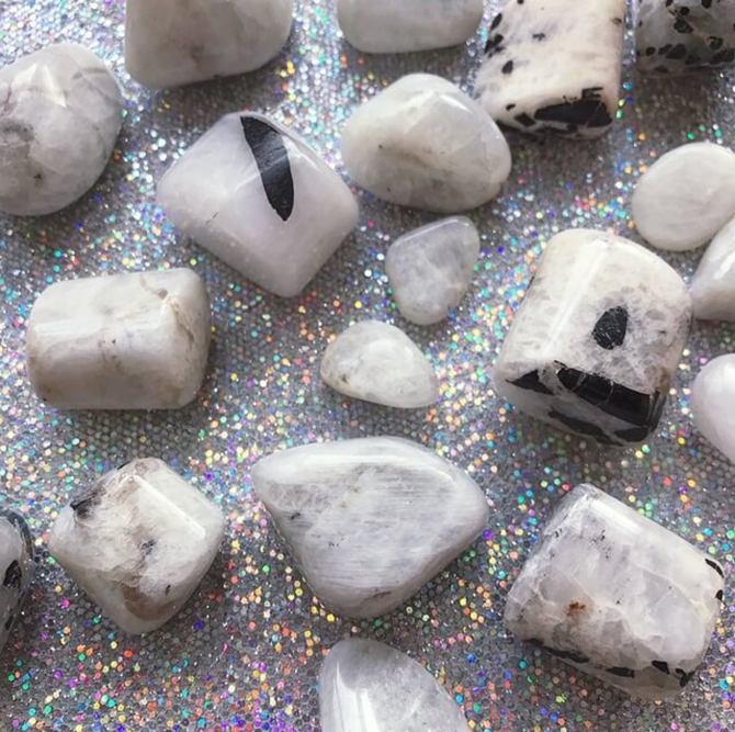 STYLECASTER |  Cristalli per Gemelli