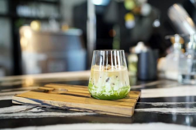 STYLECASTER   Iced Matcha Latte Recipe