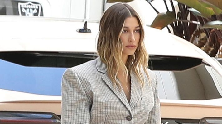 Hailey Bieber Swears By This Leave-In Conditioner For Soft Summer Hair