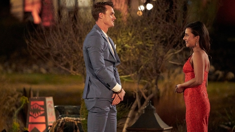 How Tall Is Bachelorette Katie? There's a Reason Her Contestants Look So Much Taller | StyleCaster