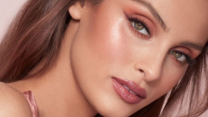 TikTok Says This Wet 'n Wild Blush Is A Dupe For Charlotte Tilbury's Sold-Out Pinkgasm Wand