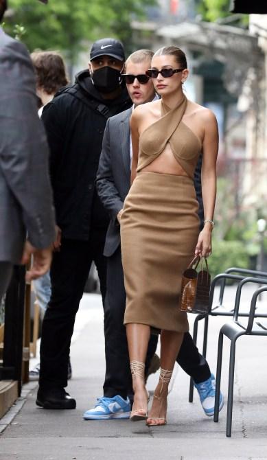 STYLECASTER | Hailey Bieber Paris Street Style