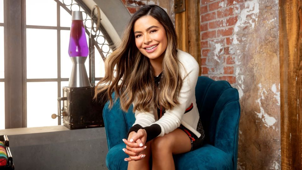 Miranda Cosgrove's Net Worth & 'iCarly' Salary Suddenly Explains Why She's Doing the Reboot