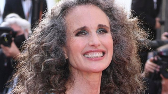 Andie MacDowell Shows Off Her Natural Gray Hair On The Red Carpet & WOW