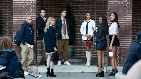Here's How to Watch the 'Gossip Girl' Reboot For Free to Meet the New Upper East Siders   StyleCaster