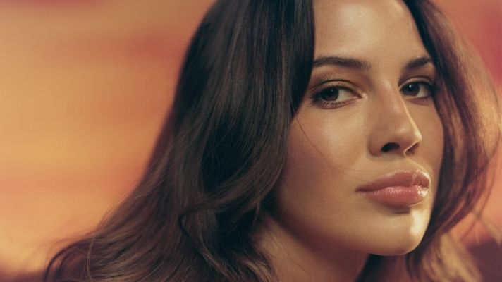 Glossier Finally Launched The Dewy Bronzer Fans Have Been Begging For