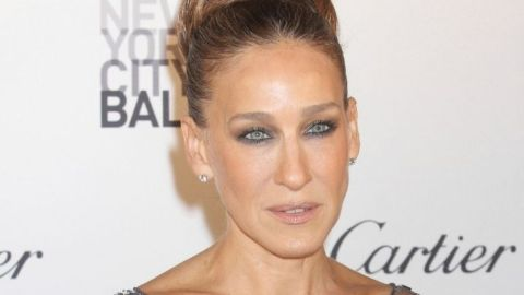 Sarah Jessica Parker Keeps This Facial Tool In Her 'And Just Like That...' Dressing Room   StyleCaster