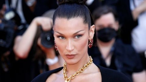 """Bella Hadid Rocked Orange """"Money Piece"""" Highlights & Chunky Layers For A Night Out 