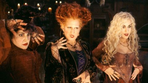 There's a Way to Watch 'Hocus Pocus' for Free This Halloween—& No, It's Not Witchcraft | StyleCaster