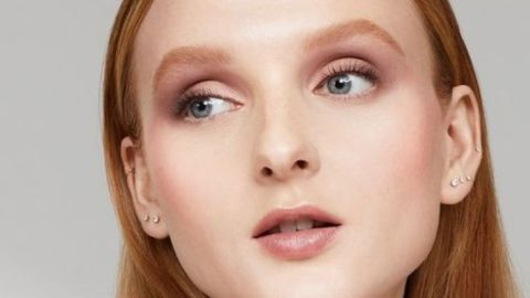Laura Mercier Just Gave Her Iconic Powder A Glowy Upgrade | StyleCaster