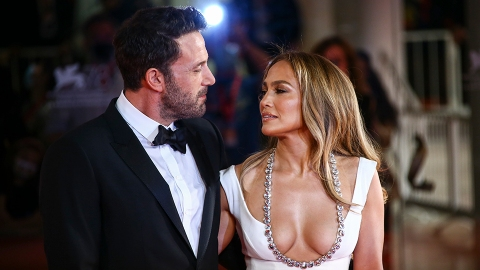 J-Lo & Ben Just Walked Their 1st Red Carpet Together in Almost 20 Years | StyleCaster