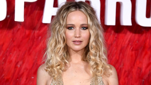 Jennifer Lawrence Is Pregnant & Expecting Her 1st Baby With Her Husband   StyleCaster