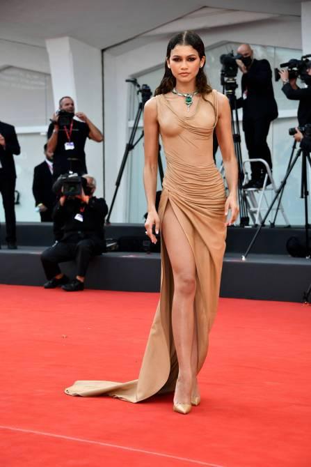 STYLECASTER | Zendaya Naked Dress