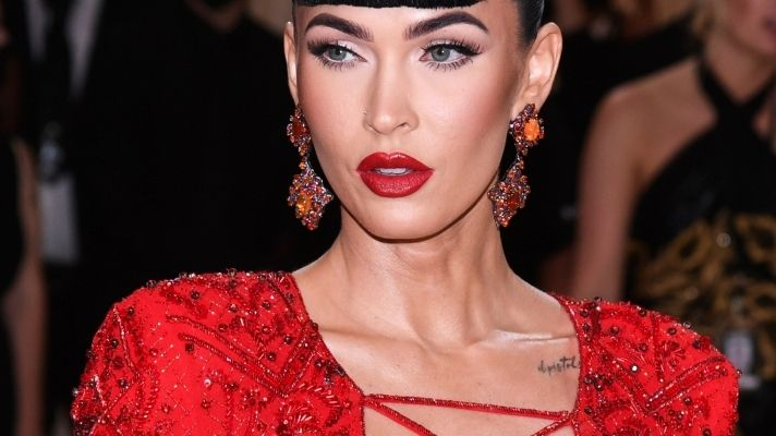 Megan Fox Just Debuted New Baby Bangs at the Met Gala Inspired by a Pin-Up Icon