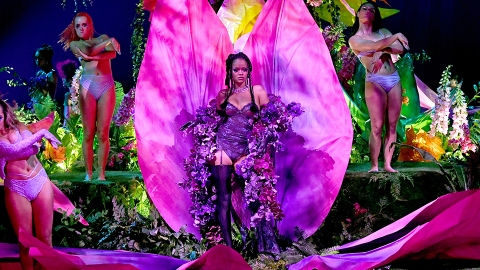 Here's How to Watch Rihanna's Savage X Fenty Show For Free to See All the Viral Moments | StyleCaster