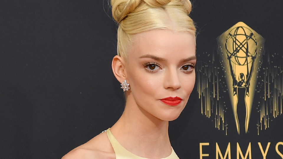 Anya Taylor-Joy Looks Like A Really Chic Cream Puff At The 2021 Emmys | StyleCaster