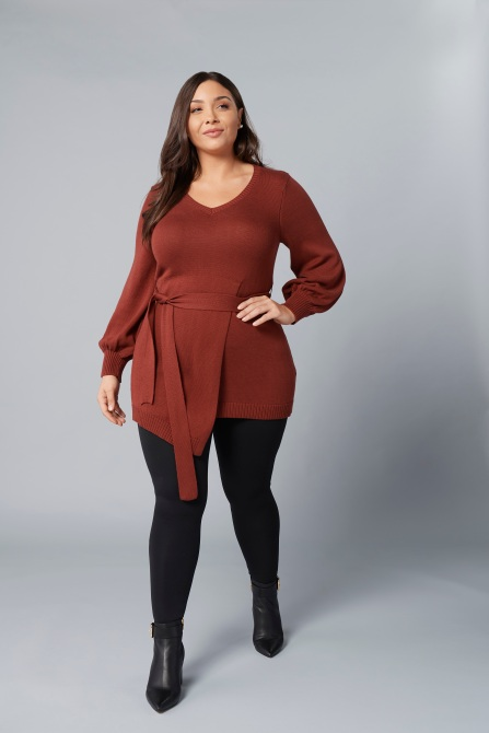 girl with curves sweater