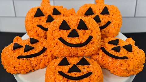 I'm Sending These Halloween Rice Crispie Treats To Everyone I Know | StyleCaster