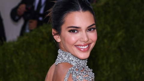 Kendall Jenner Declared This Sherpa Trench The 'It Coat' Of The Season | StyleCaster