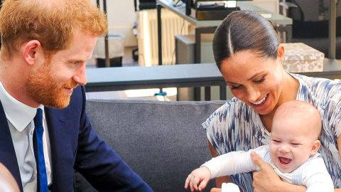 Harry & Meghan May Visit the UK for Christmas With Their Kids—It's What the Queen 'Wants' | StyleCaster