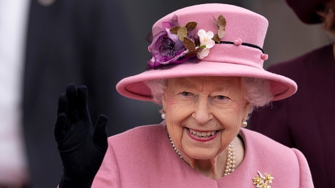 The Queen's Doctors Just Told Her to Make This Health Change Due to Her 'Stage' of 'Life'   StyleCaster
