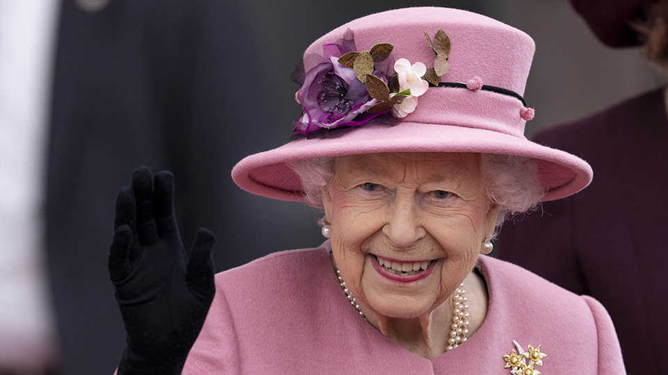 The Queen's Doctors Just Told Her to Make This Health Change Due to Her 'Stage' of 'Life' | StyleCaster