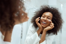 TikTok's Favorite Skincare Line Has An Anti-Aging Cream That's Better Than La Mer