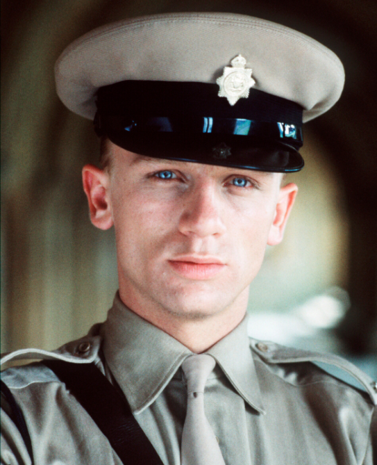 daniel craig 1992 Daniel Craig Played James Bond for 15 Years—Heres What He Looked Like Before He Became 007