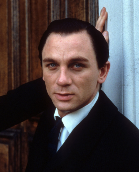 daniel craig 1998 Daniel Craig Played James Bond for 15 Years—Heres What He Looked Like Before He Became 007