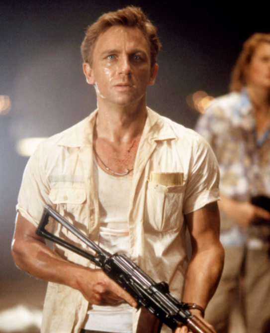 daniel craig 2001 Daniel Craig Played James Bond for 15 Years—Heres What He Looked Like Before He Became 007
