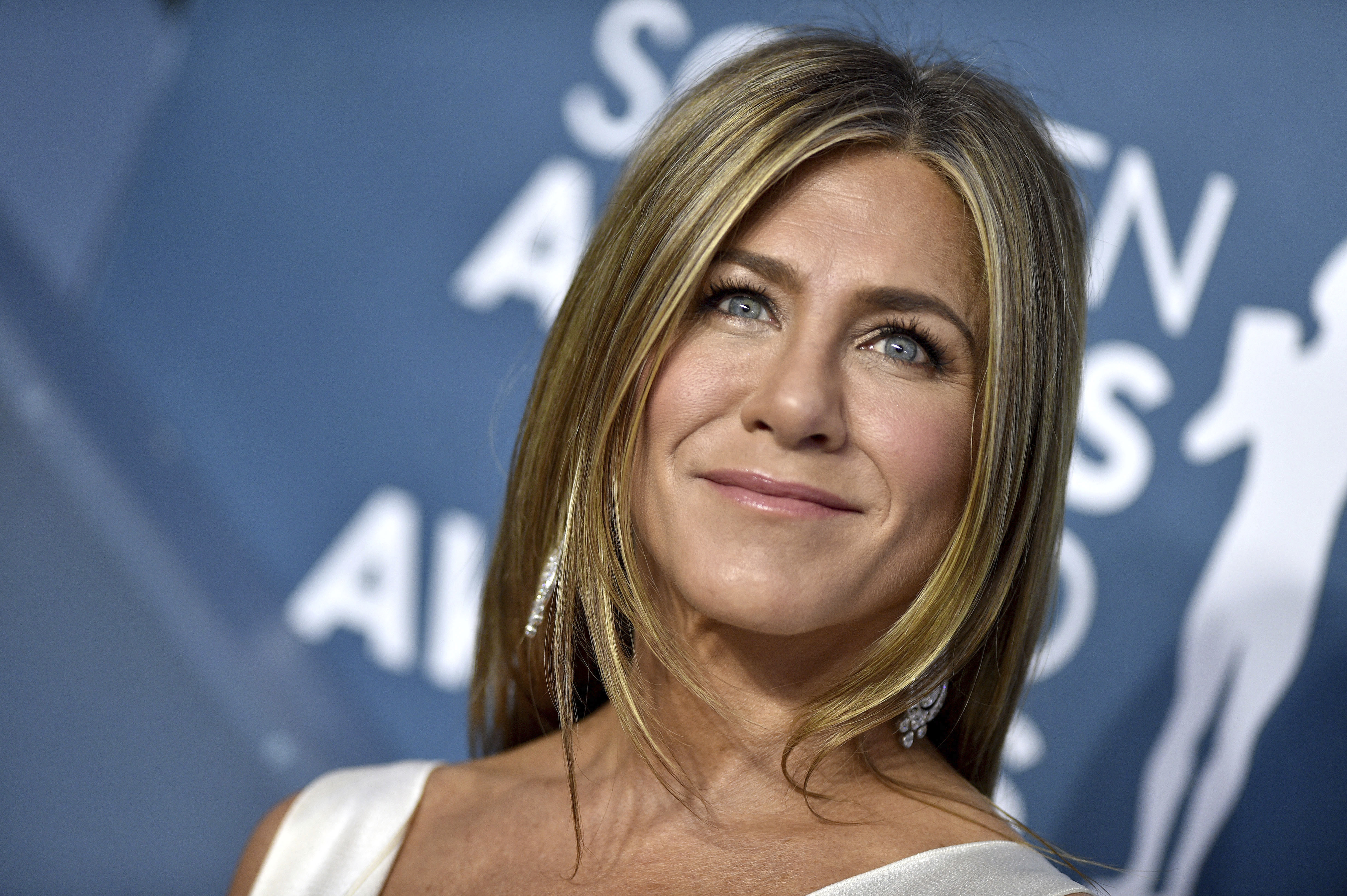 Jennifer Aniston Uses This Tatcha Lip Product To Get Her Plump Pout