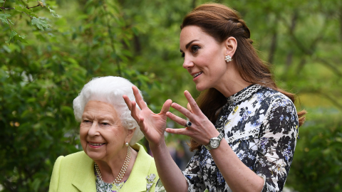 Here's How Queen Elizabeth Really Feels About Duchess Kate Taking Her Place One Day | StyleCaster