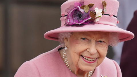 Here's Who Will Take Queen Elizabeth's Place on the Throne & How Soon It Could Happen | StyleCaster